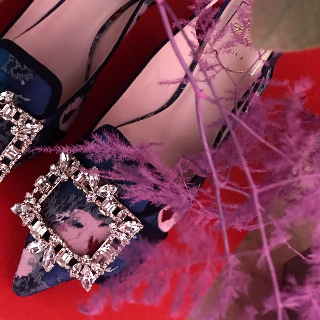 """Rhinestones shoe buckles @rogervivier by @gherardofelloni #purple Did you know ? In the upcoming exhibition """"Marche et Démarche """" @madparis there will be a beautiful collection of shoe buckles. Can't wait to see it From 7 November 2019"""