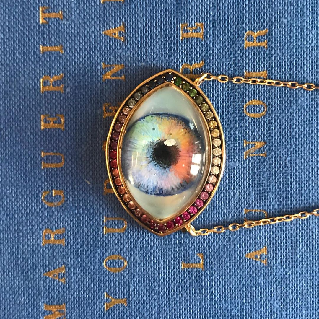 The super good idea of @noorfares : personalize this #eyependant Using a photo provided by the customer, an Italian enameller reproduces the color of the pupil