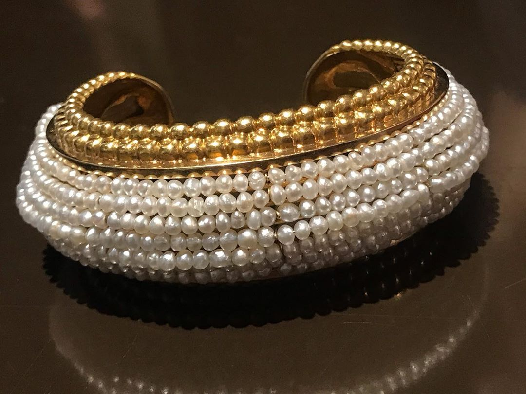 One of my favorite pieces @lagalerieparisienne a #naturalpearls and gold bracelet by #reneboivin More marvelous pieces in my stories