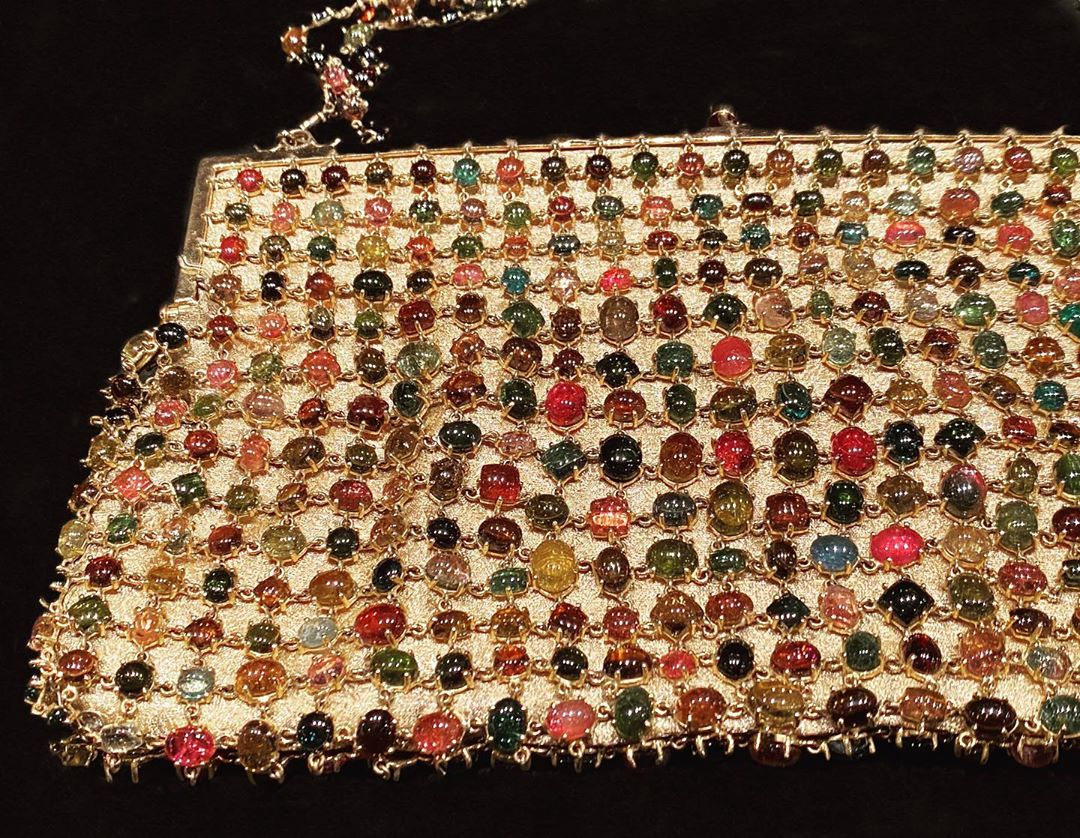 🇮🇳 Want this precious purse @gyanjaipur thanks to the best jewelry insider @yashaga More in my stories